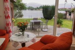 Blick vom Wohnzimmer auf den Stadtsee